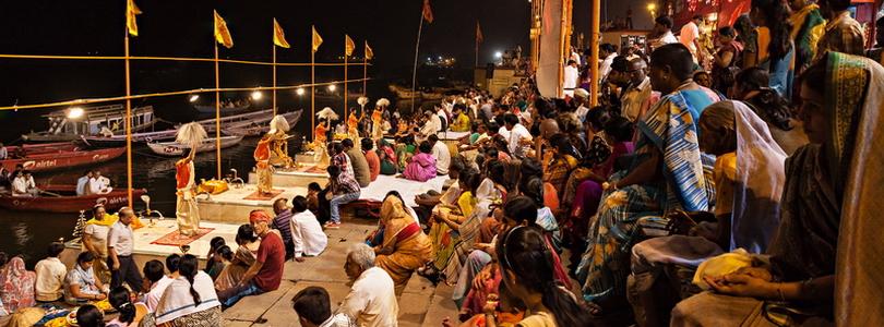 הודו – ואראנסי ביום ובלילה